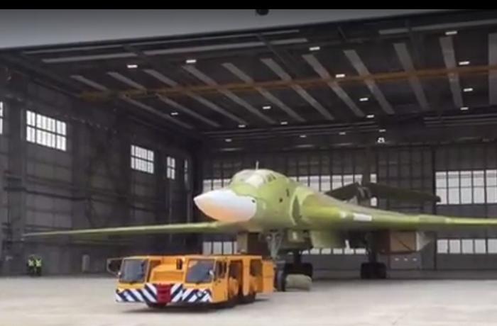 Il primo Tu-160, costruito dopo la ripresa della loro produzione, è stato lanciato a Kazan