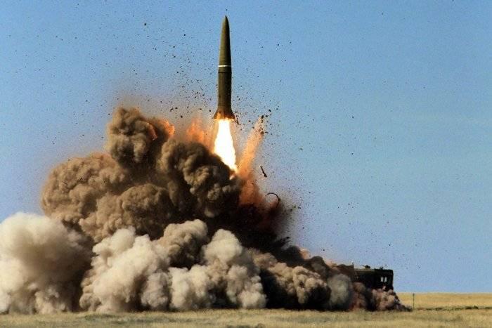 Die Iskander-M-Berechnungen trafen das Ziel mit einer neuen verbesserten Rakete bei den CSTO-Übungen