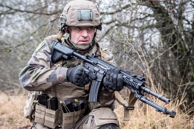 Armes légères: nouveaux modèles et nouveaux contrats