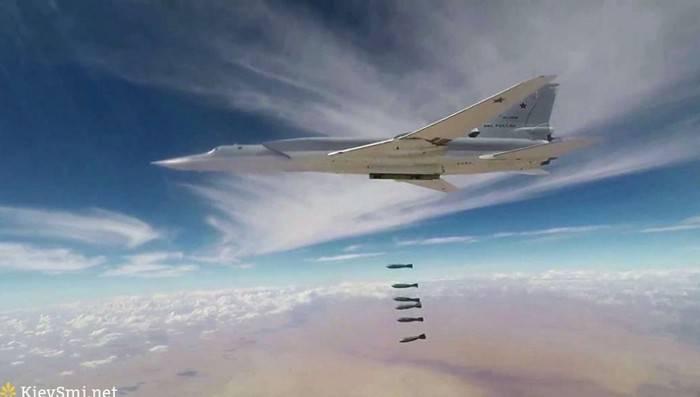 Tu-22М3 रूसी एयरोस्पेस बलों आईजी सुविधाओं * मारा