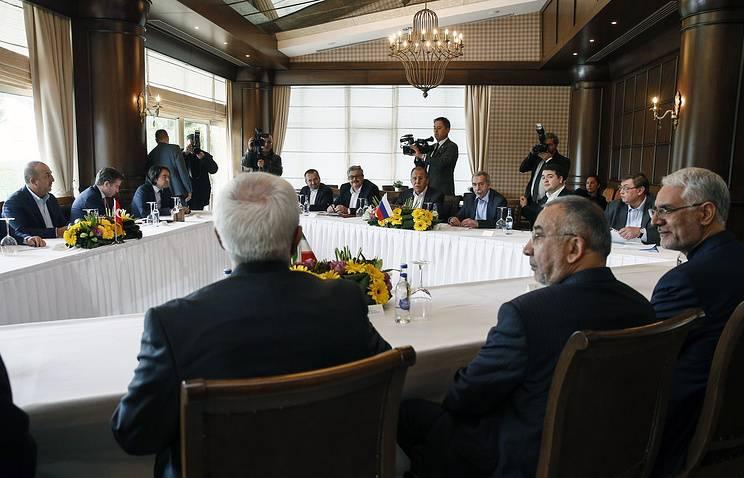 Das Treffen der Außenminister der Türkei, Russlands und Irans zur syrischen Siedlung wurde in Antalya abgeschlossen