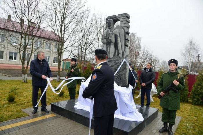 在布良斯克附近,向在叙利亚死亡的士兵开放了一座纪念碑