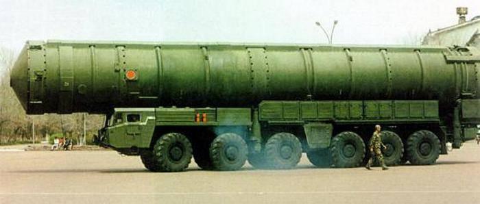 СМИ: Новейшую китайскую МБР DF-41 примут на вооружение в первой половине 2018 года