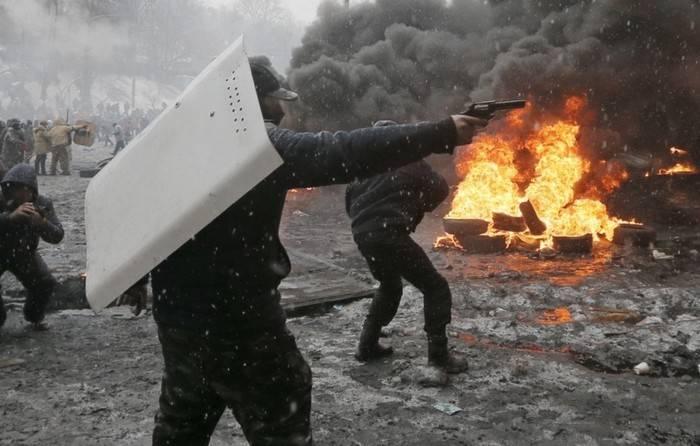 Poroshenko hat Opfer auf der Unabhängigkeit den Teilnehmern von Feindseligkeiten gleichgesetzt