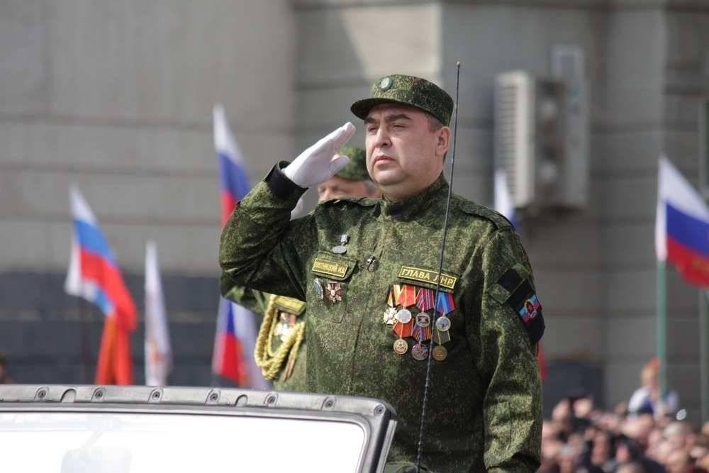 Путч вЛуганске. Отстраненный руководитель МВД выступил сзаявлением