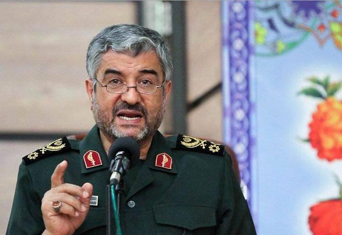 Le commandant de l'IRGC a commenté les propos de Macron à propos du programme de missiles iranien