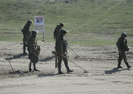 サッパーとの訓練はアルメニアのロシアの基地で始まりました