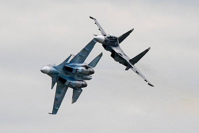 The Western Military District received nine Su-35C and Su-30CM fighters.