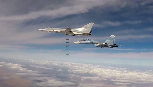 Tu-22М3 폭격기는 Deir ez-Zor 지방의 테러 분자들의 거점을 파괴했습니다.