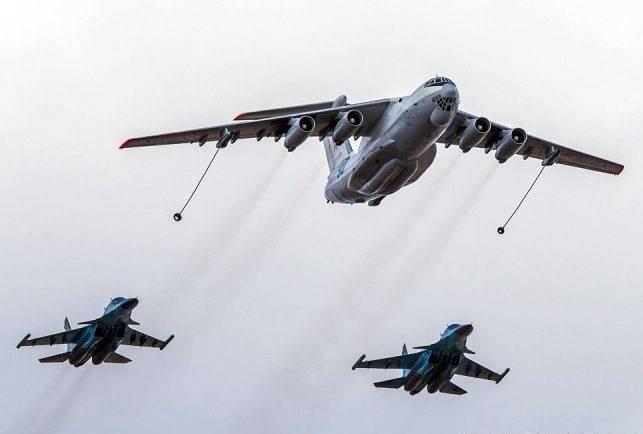 No Distrito Militar do Sul, os caças Su-30CM trabalharam no reabastecimento aéreo.