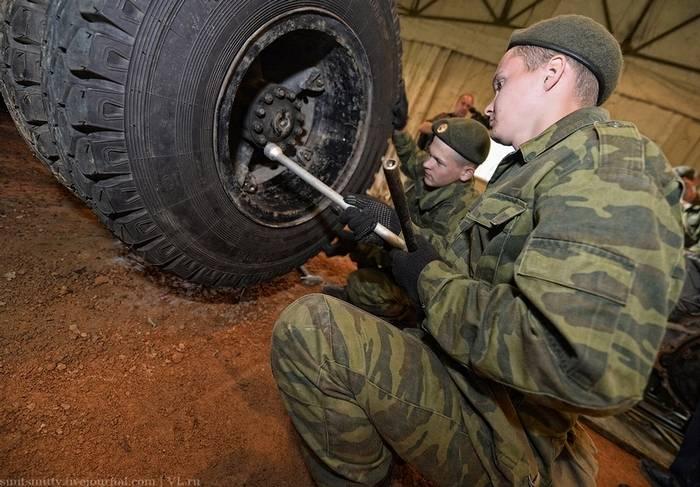 Pour l'équipement militaire de la Russie va développer des roues impénétrables