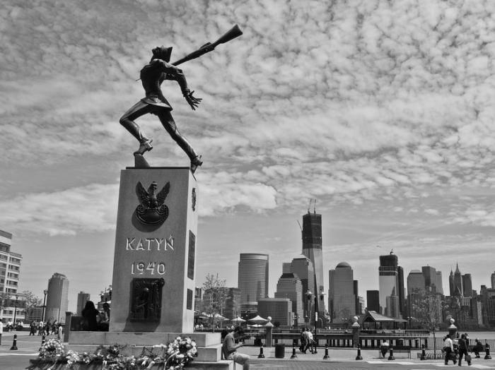 Wer hat polnische Offiziere auf Katyn erschossen?