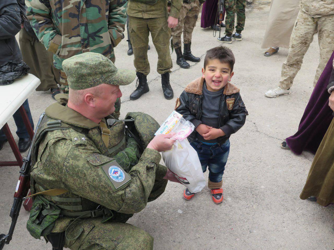 ロシア、シュクラン:シリア南部では、別の都市が平和な生活を送っています