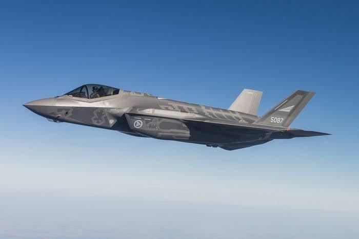 挪威国防部:新型F-35战斗机将敏感数据传输到美国