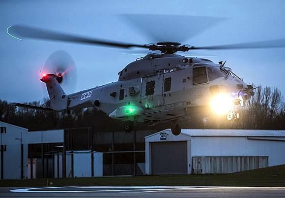 Pruebas de vuelo de un nuevo helicóptero experimentado en Alemania.