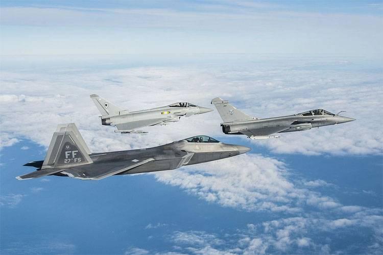 Quanti civili sono morti nella SAR e in Iraq dai raid aerei della coalizione americana?