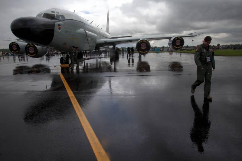 В течение недели разведку вдоль границ РФ вели 14 летательных аппаратов