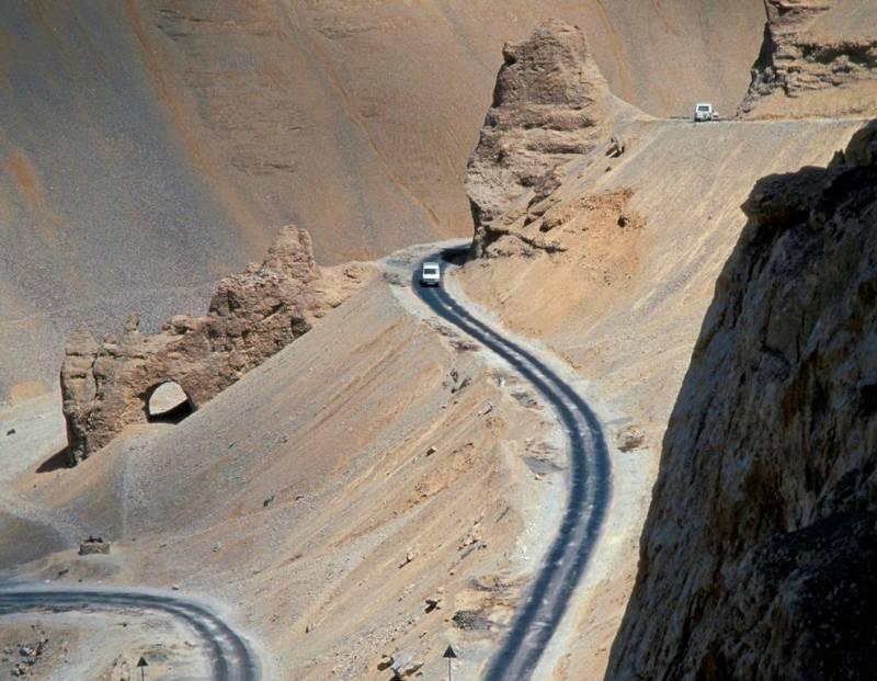 В Индии построена самая высокогорная дорога в мире