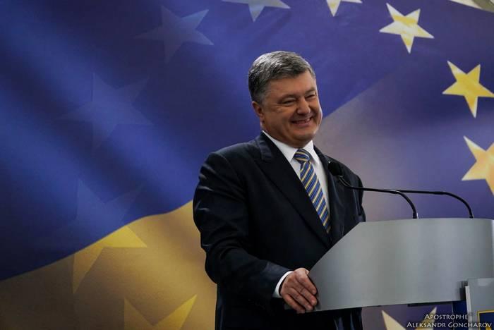 Poroshenko prometió a los ucranianos referendos rápidos para unirse a la OTAN y la UE