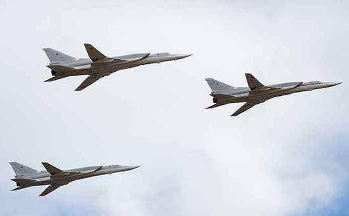 远程Tu-22М3轰炸机袭击了叙利亚的IG *设施