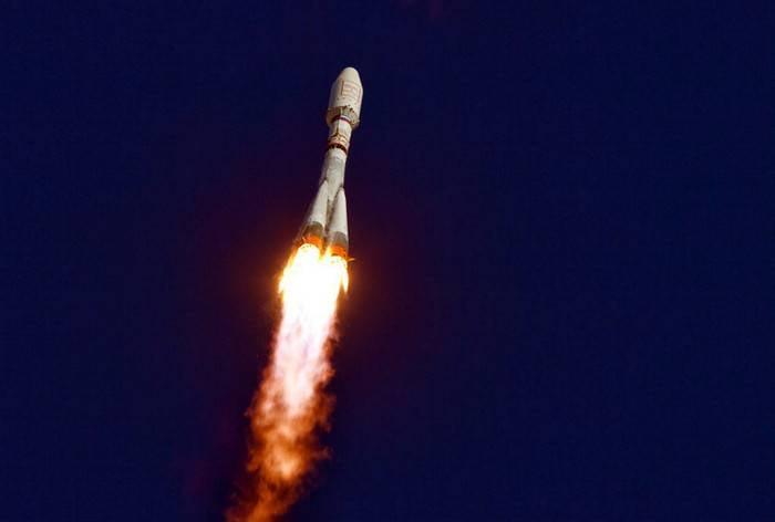 """El cohete """"Soyuz-2.1b"""" puso en órbita el satélite del Ministerio de Defensa."""