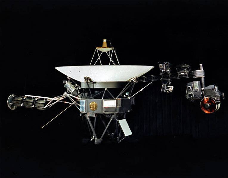 "Auxiliary engines ""Voyager-1"" managed to start after 37-year idle"