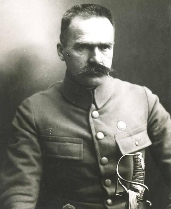 """Pilsudski. Un siècle et demi """"père"""" de la Pologne moderne"""
