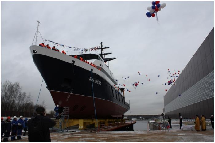 Новейшее океанографическое судно «Ильмень» спущено наводу
