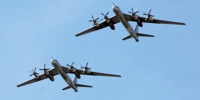 Tu-95MS는 태평양에서 8 시간 비행을했습니다.