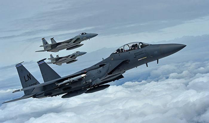 미국의 전투기에서 F-15 레이저 무기 설치