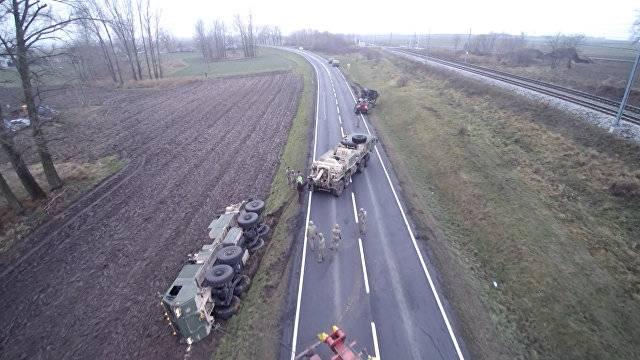 Американская техника оказалась в плену у польских дорог