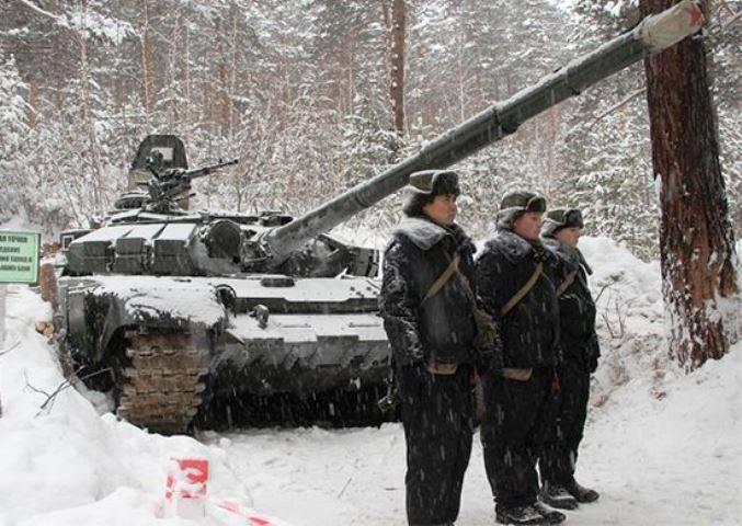 En TSB se mostró debidamente protegido T-72BM.