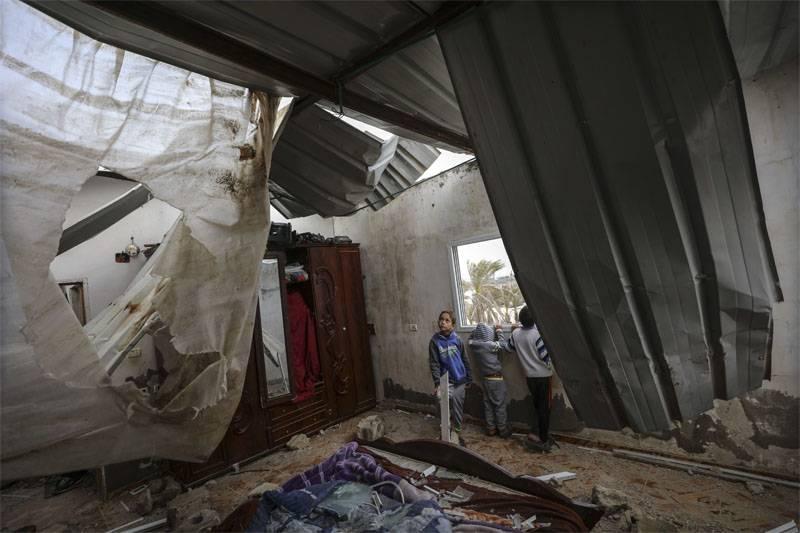 以色列:巴勒斯坦人自己向加沙地带的联合国学校开枪
