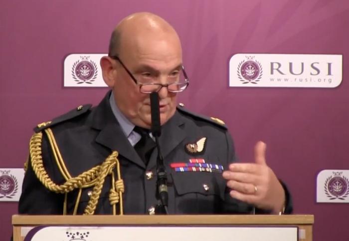 Maresciallo britannico: la Russia è in grado di privare i paesi della NATO di Internet