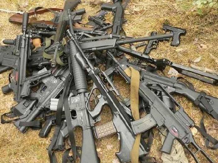 Medios: armas que Estados Unidos suministró secretamente a los rebeldes en Siria, que se encuentran en el IG.