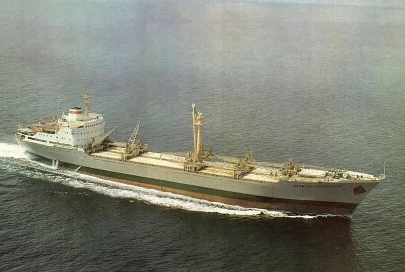 Chernomorsky Shipbuilding Plant: giorni militari di navi da carico a secco costruite a Nikolaev