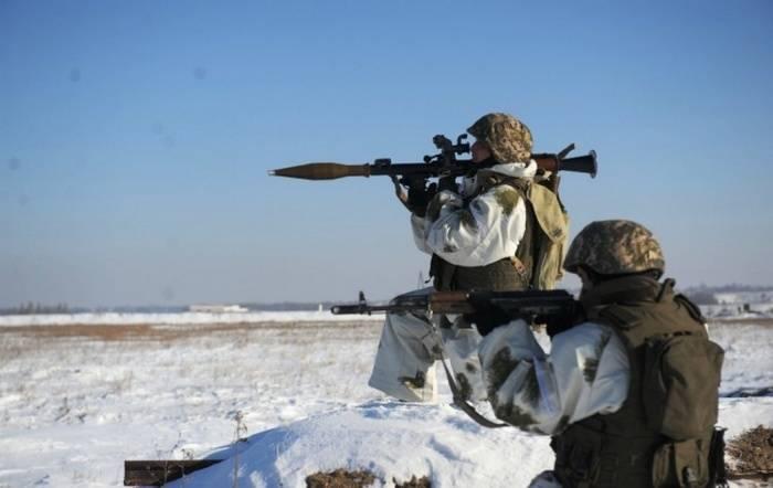 """Volga bölgesinde roketatarlar """"cihad-mobil"""" imha etmeyi öğreniyor"""