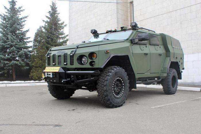 """Ukrainian armored vehicles"" introduced a new armored vehicle ""Varta-Innovator"""
