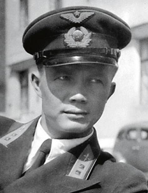 Kruşçev'in oğlu. Ölümün gizemi açıklanmadı