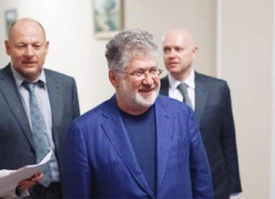 Why did the London court order to freeze Kolomoisky's accounts?
