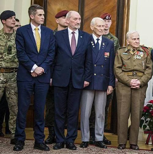 Matserevich : 폴란드의 Tu-154 및 MiG-29 공군의 추락 - 거기와 버치가 모두있었습니다 ...