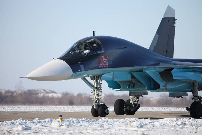 The first Su-34 will arrive in the Central Military District at the beginning of 2018