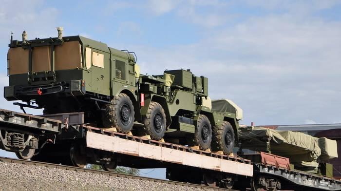 Los nuevos SAM C-400 llegaron a la ubicación en la región de Saratov