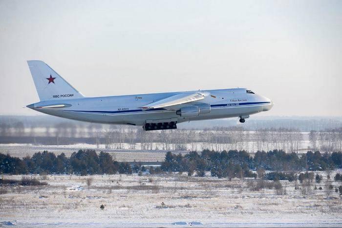 "Verbesserte An-124 ""Ruslan"" machte den ersten Flug"