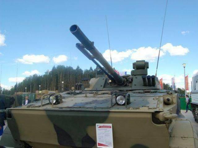 Eine neue Charge BMP-3 wurde an die Truppen geschickt.
