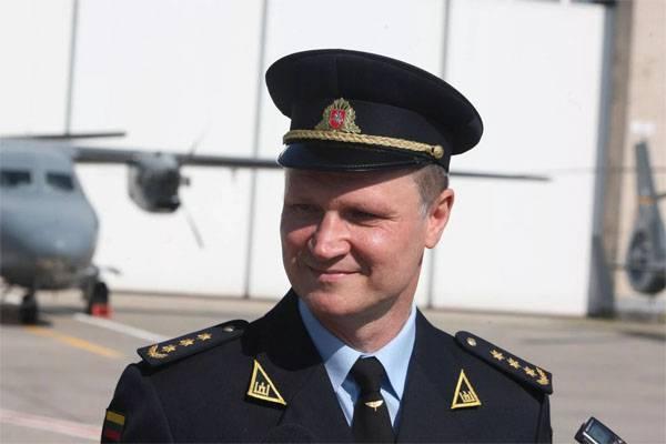 Il comandante dell'aeronautica militare lituana è stato sospeso per i piani di riparazione degli elicotteri nella Federazione Russa. Cosa ha deciso il tribunale?