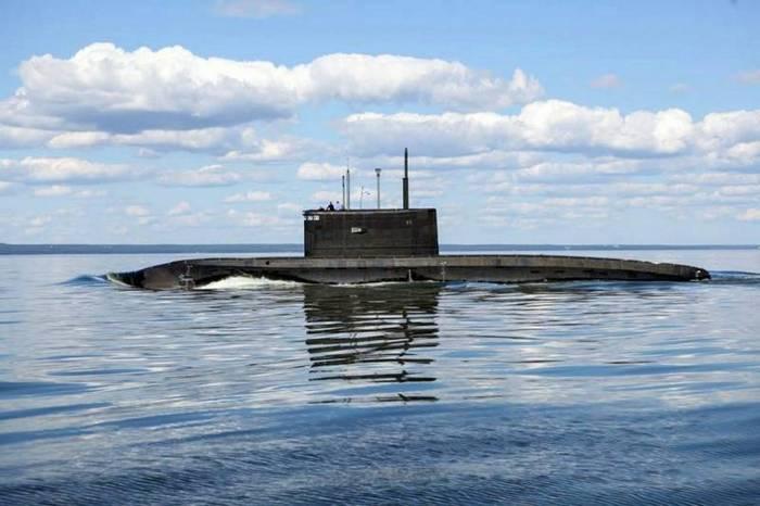 FT: Die Tätigkeit russischer U-Boote hat die NATO alarmiert