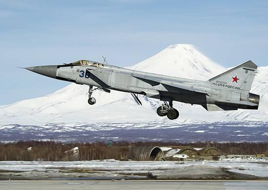 MiG-31 Kamçatka üzerinde seyir füzeleri yakaladı