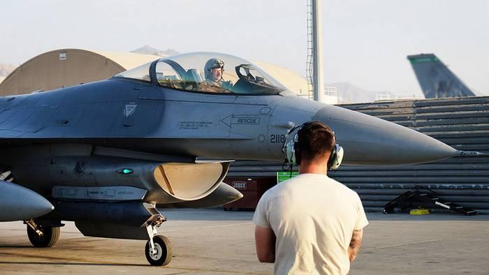 Ministero della difesa lituano: gli aerei della NATO scortarono gli aerei russi sul Mar Baltico tre volte in una settimana