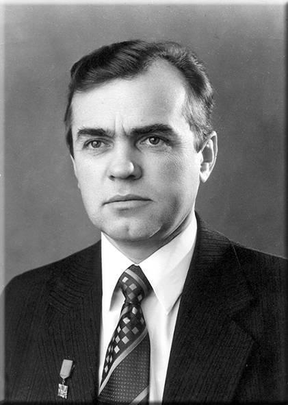 Vladislav Dvoryaninov. Fotos de la junta de honor TSNIITOCHMASH. Año 1973.
